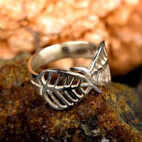 Buddhi Leaf ring