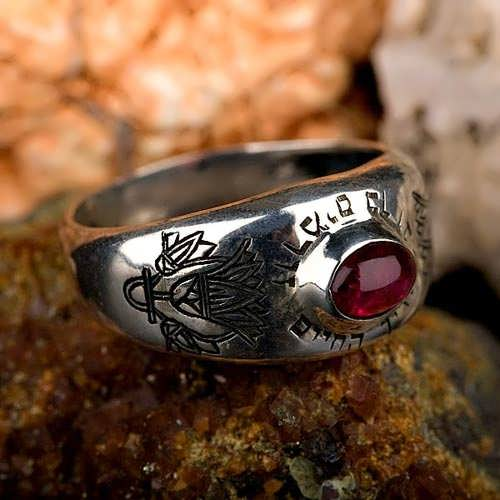 Lotus ring silver with Garnet