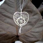 three jewels pendant1