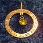 Ana becoach circle pendant gold