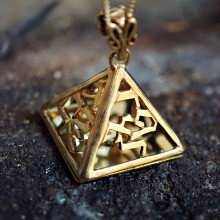 The Four Angels Amulet Gold
