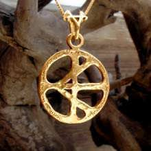 One Race Pendant Gold