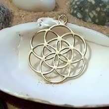 The Seed of Live Pendant Gold