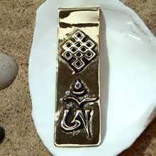 OM Tibetano, grande, oro