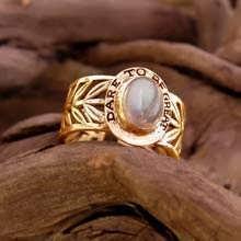 טבעת הניצחון משובצת - זהב