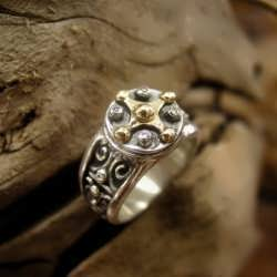 The Mayan Venus talisman Ring silver and gold set with diamonds