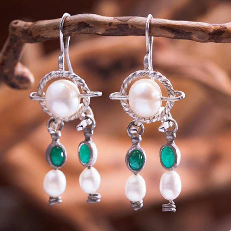 Queen Alexandra Shlomzion Earrings in silver set with emeralds and pearls