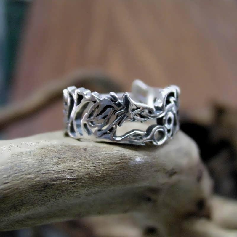 The Ouroboros Ring