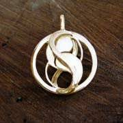 Entangled Pendant Gold 478