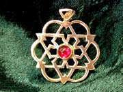 Inlaid egg of life star gold with Garnet 186
