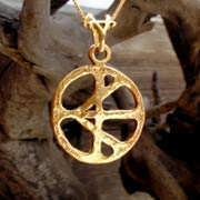 One Race Pendant Gold 608