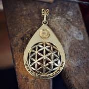 Drop in the Ocean - Gold Pendant 901