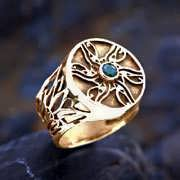 Eye of Horus Ring Gold with Emerald 594