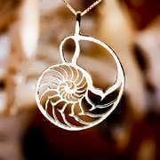 Nautilus Jewelry Pendant Gold 96