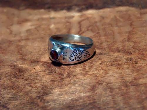Destiny ring silver with Garnet
