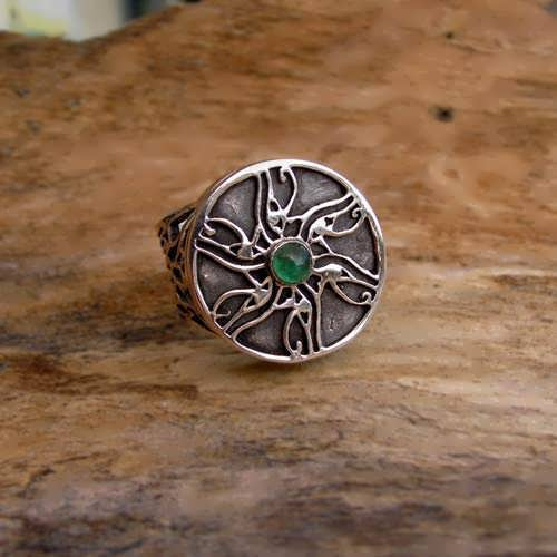 Eye of Horus Ring Silver with Emerald