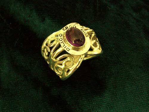 I Love Therefore I Am Ring Gold with Garnet