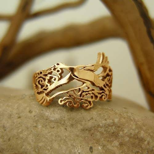 Japanese Stork Ring Gold
