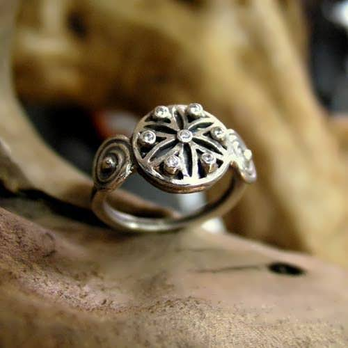 Ka Ring with seven zircons (seed of life center)