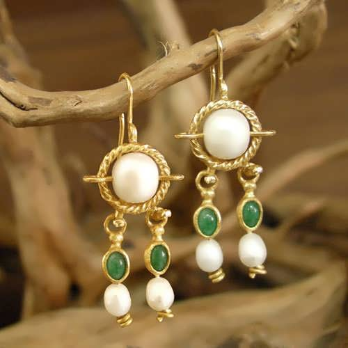 Queen Alexandra Shlomzion earrings Gold
