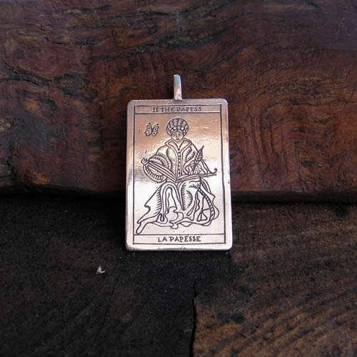 Pendentif argent carte de Tarot, le Grand Prêtre