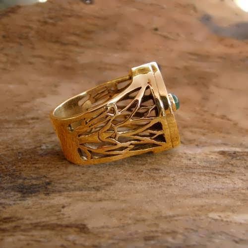 gold eye of horus ring
