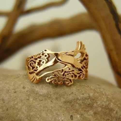 Japanese Stork Ring Gold