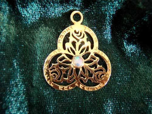 Key of love gold with Opal