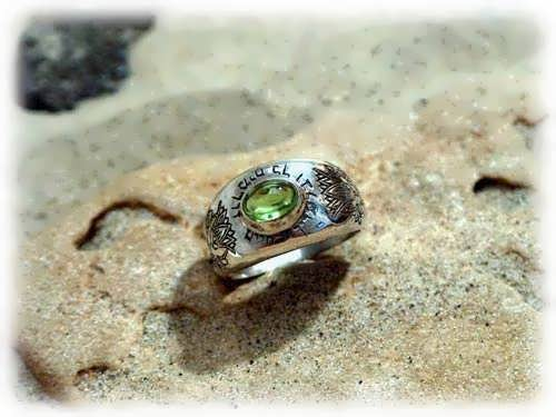 Lotus ring silver with Peridot