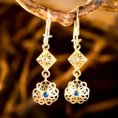 Nefertiti Lotus Earrings Gold