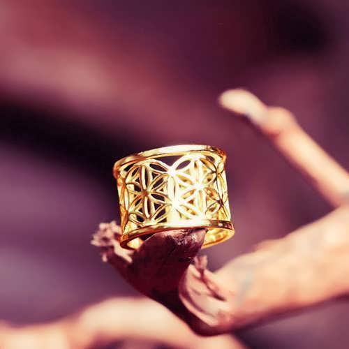 Pattern of Life Ring Big Gold