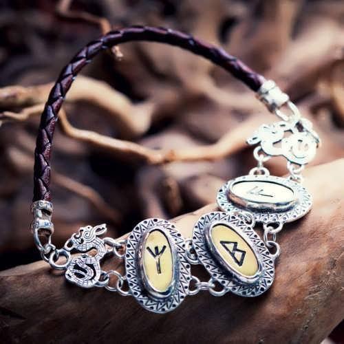Die Runen - Silberarmband