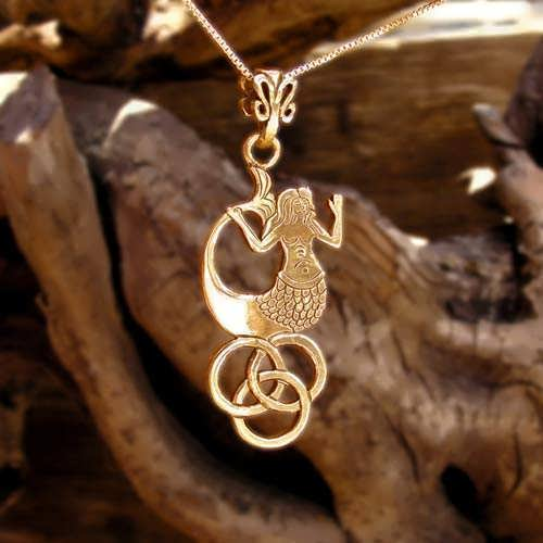 The Water Element Pendant Gold