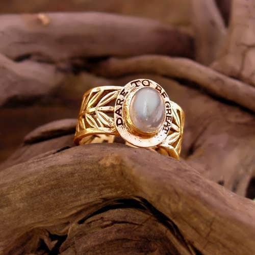 Inlaid Victory Ring Gold with Moonstone