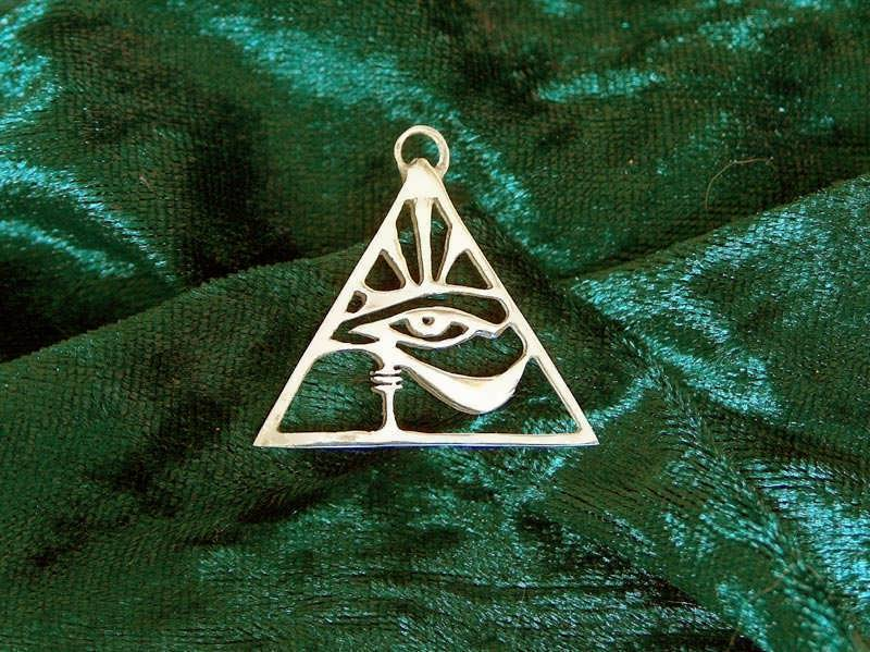 Eye of Horus pendant - gold