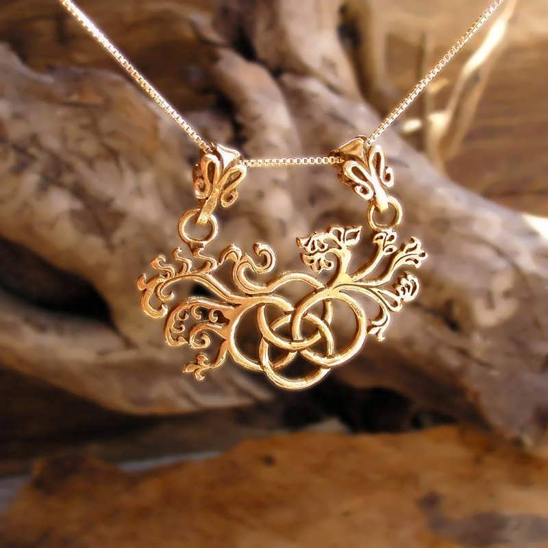 The Earth Element Pendant Gold