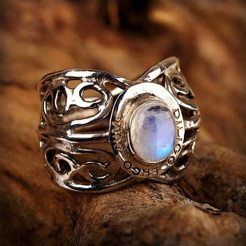 I love therefore I am ring silver with Moonstone