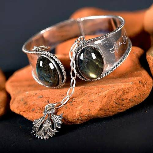Ka Bracelet silver with Labradorite