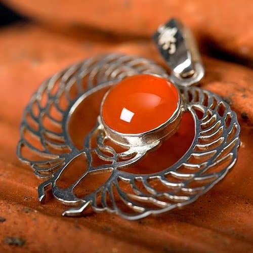 Кулон «Крылатый скарабей», серебро
