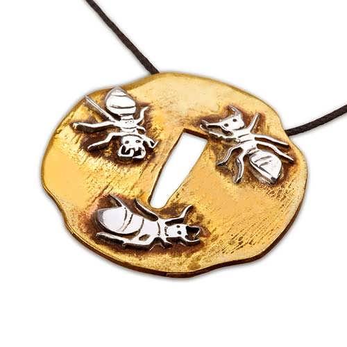 Tsuba con formiche