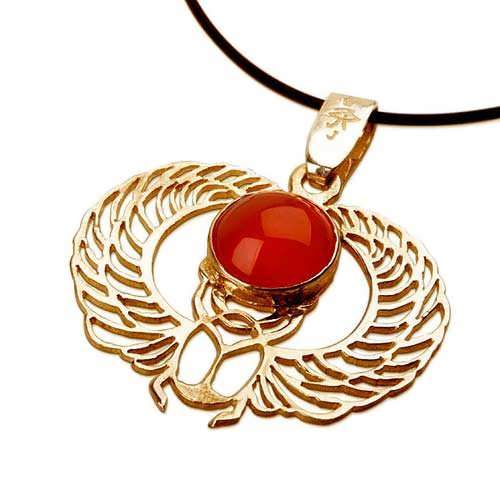 Winged Scarab gold with Carnelian