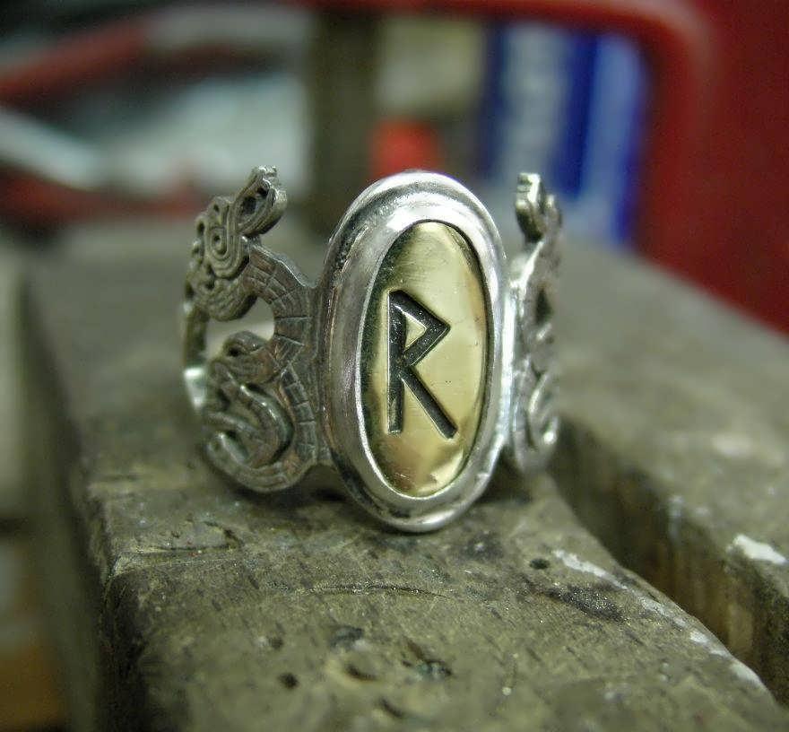Runes ring